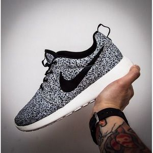 "Nike Speckled ""Oreo"" Women's Roche Runs"